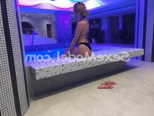 Carlie massage érotique escorte girl boite libertine