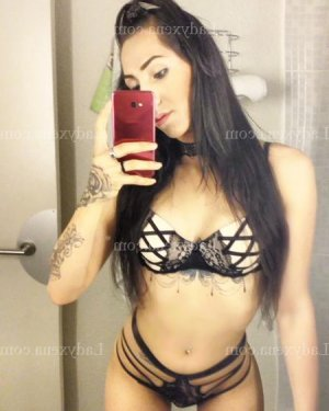 Nellia escort girl à Wissous