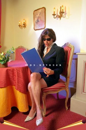 Claudine escort rencontre libertine massage